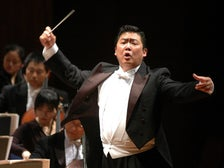 Long Yu conducts the China Philharmonic Orchestra