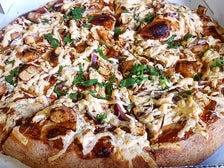 Vegan BBQ Chicken Pizza at Cruzer 100% Vegan Pizzeria