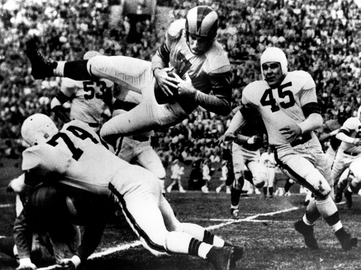 Bob Waterfield of the Los Angeles Rams in the 1951 NFL Championship Gamevvvv