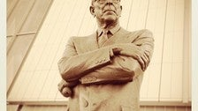 John Wooden statue at Pauley Pavilion