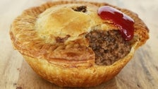 Meat pie at Bronzed Aussie