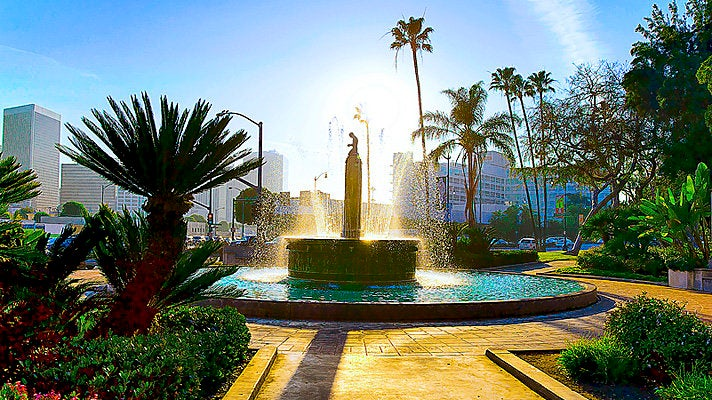 Electric Fountain in Beverly Hills
