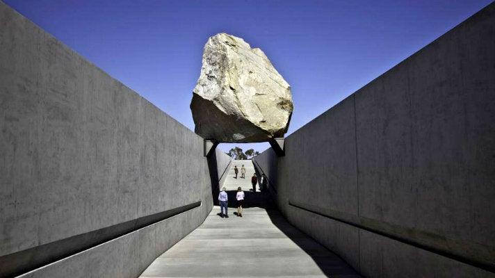 """Art Muse Los Angeles at """"Levitated Mass"""""""