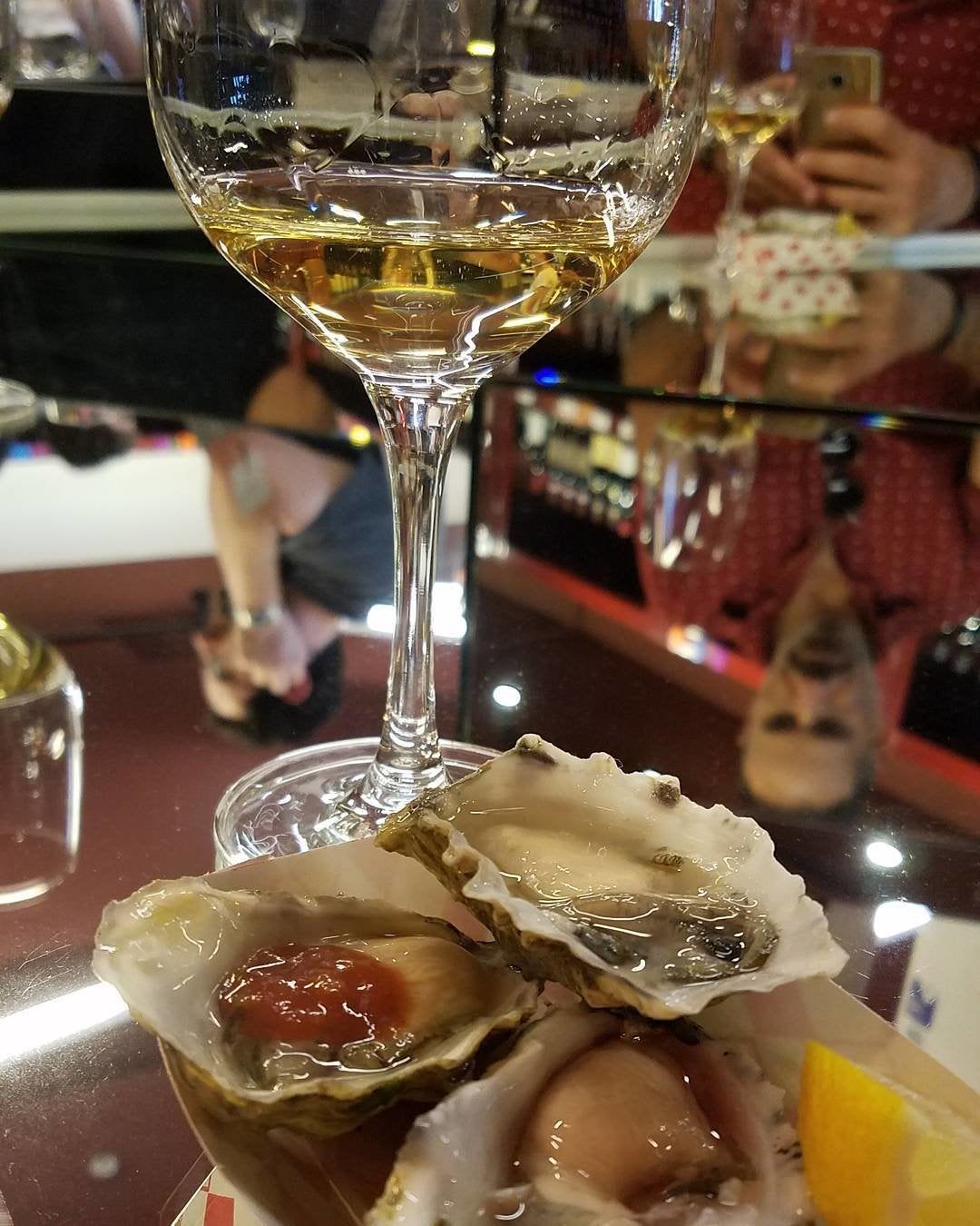 Oysters and natural wine at Lou Wine Shop
